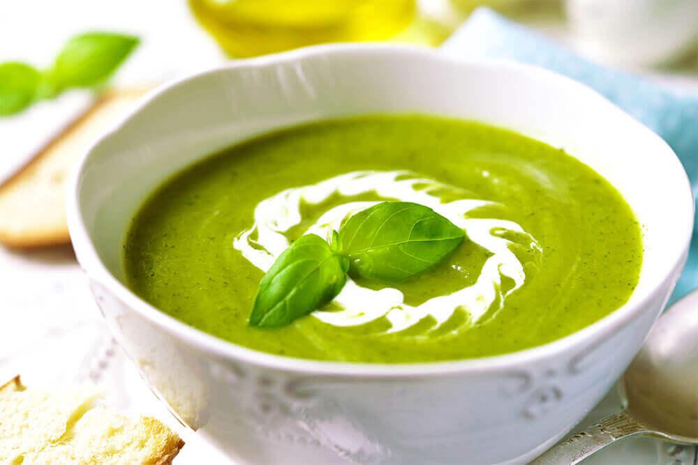 Régime : optez pour les soupes amincissantes bios !