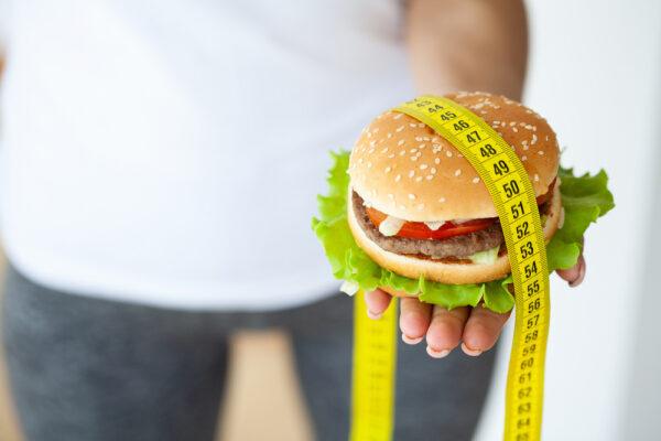 Manger du hamburger sans gagner du poids : conseils et astuces